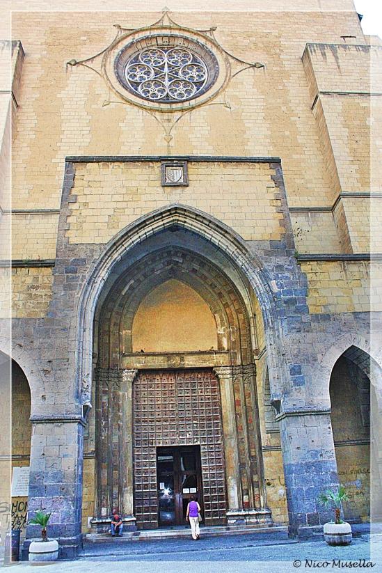 ingreso chiesa di santa chiara