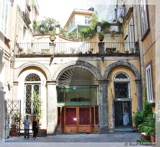 palazzo venezia a spaccanapoli