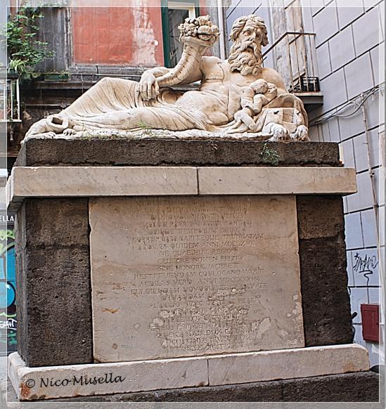 scultura a piazzetta nilo